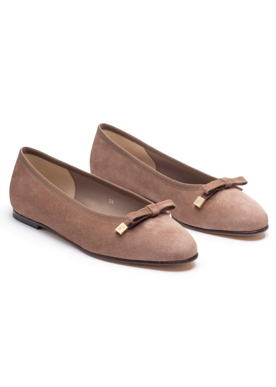 Audrey – Ballet flat taupe kidskin suede with suede bow
