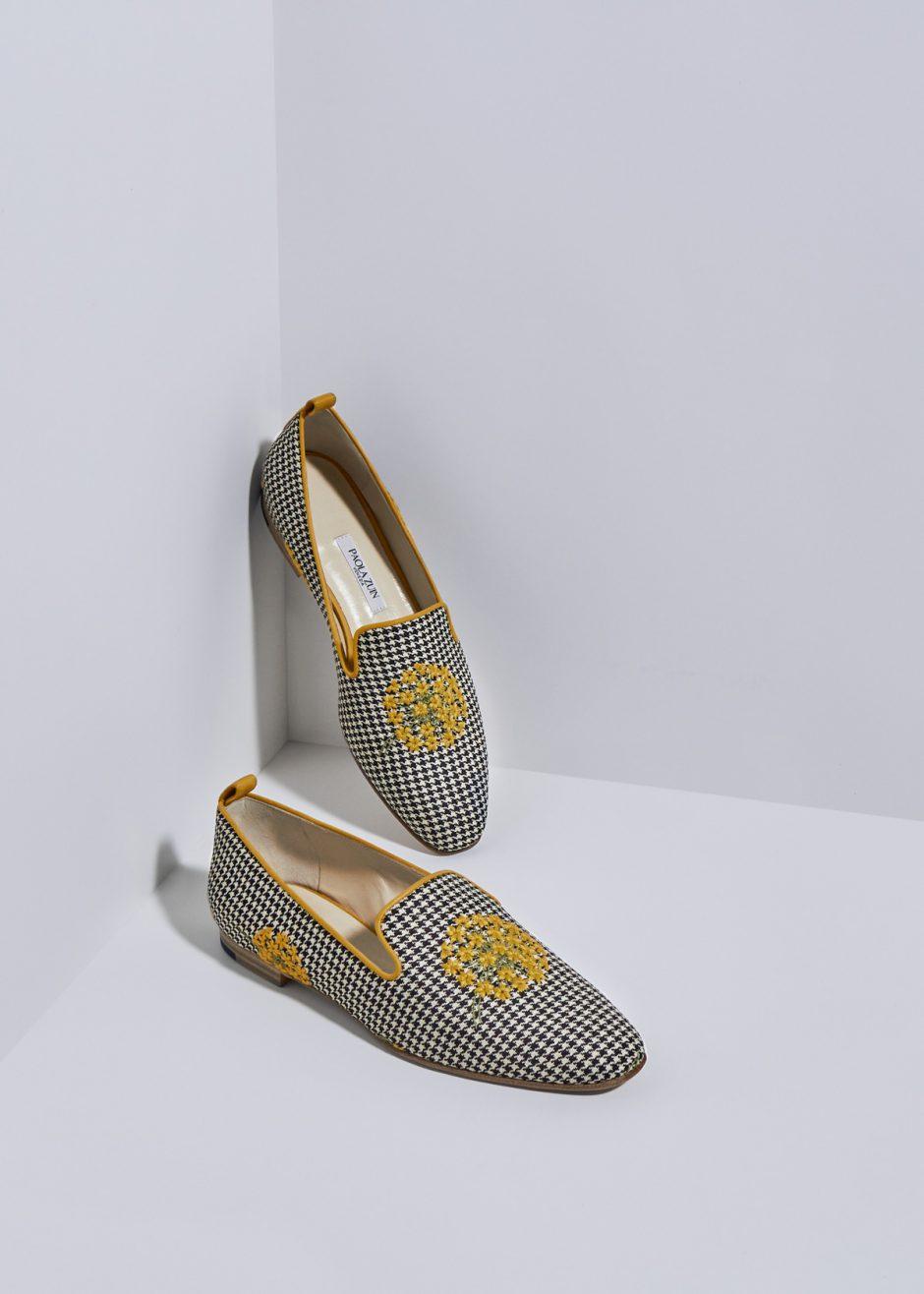 Sveva – Ballerina pied de poul b/n con fiorellini gialli
